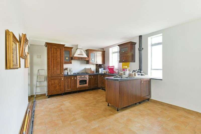 3 Bedrooms Property for sale in Albert Carr Gardens, Streatham, London