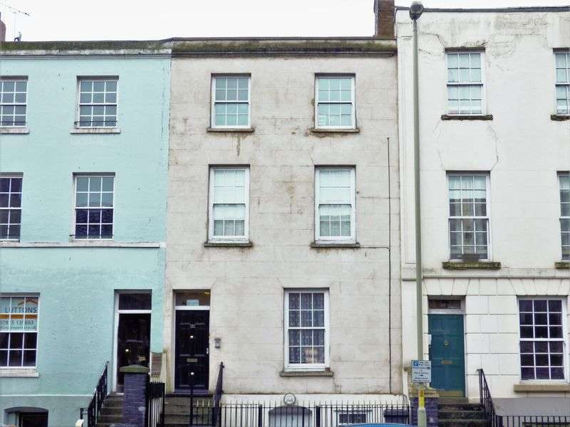 5 Bedrooms Commercial Property for sale in Southgate Street, Gloucester