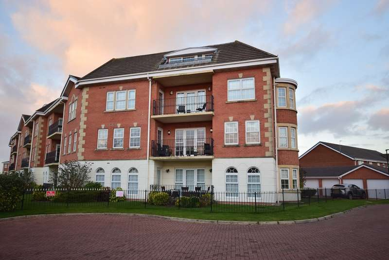 2 Bedrooms Apartment Flat for sale in Maddison Heights, Coopers Row, Lytham St Annes, FY8