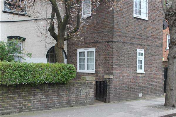 4 Bedrooms Terraced House for sale in Erconwald Street, East Acton, London