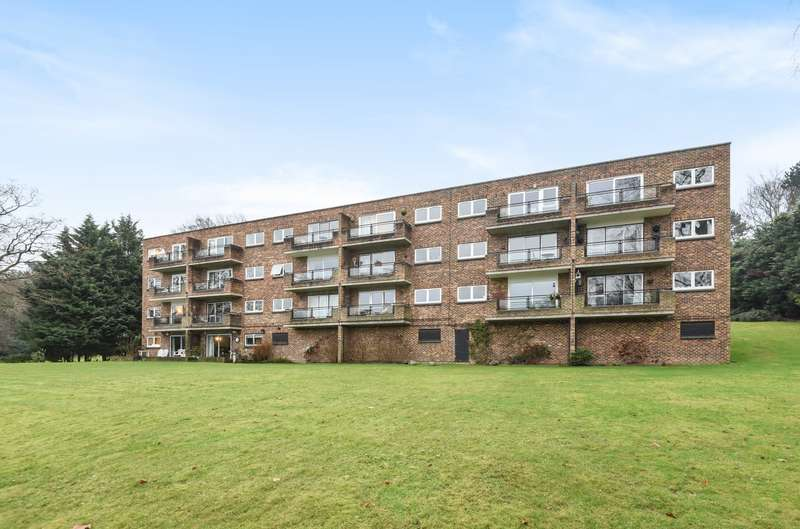 2 Bedrooms Flat for sale in Oatlands