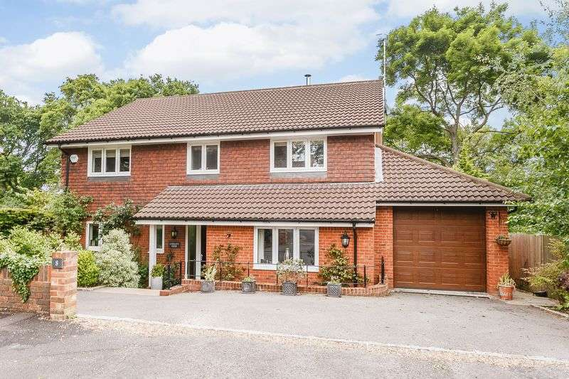 4 Bedrooms Detached House for sale in Woodmancourt, Godalming
