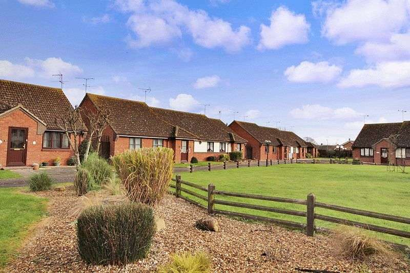 1 Bedroom Retirement Property for sale in Priory Park, St. Osyth, CO16 8TE