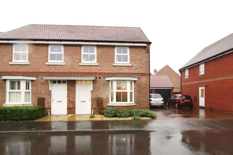3 Bedrooms Semi Detached House for sale in Teasel Grove, Bognor Regis