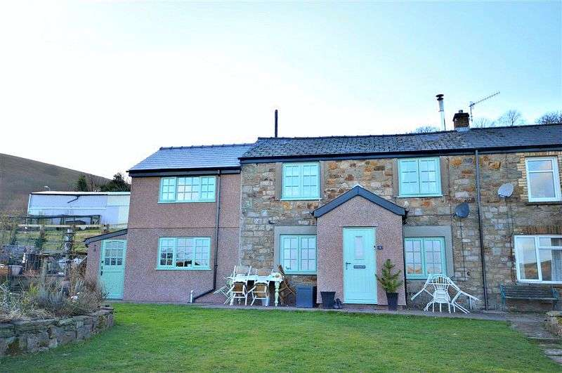3 Bedrooms Semi Detached House for sale in 1 East View, Pontypool
