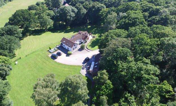 5 Bedrooms Detached House for sale in Rockford Cottage Highwood Ringwood BH24 3LZ