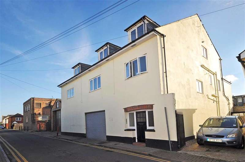 1 Bedroom Flat for sale in Charles Street, Herne Bay, Kent