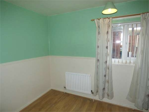 3 Bedrooms Terraced House for sale in Dyserth Road, Blacon, Chester, Cheshire