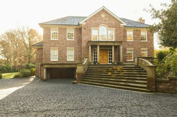 6 Bedrooms Detached House for sale in Barrow Lane, Hale, Altrincham, Cheshire