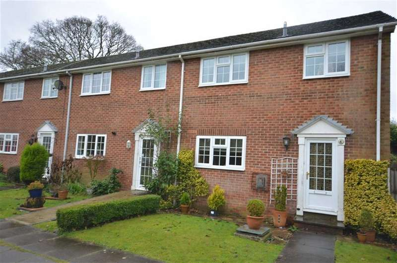 3 Bedrooms Property for sale in Heather Close, Farnham