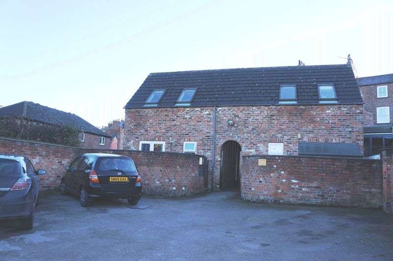 Flat for sale in Cambridge Mews, York