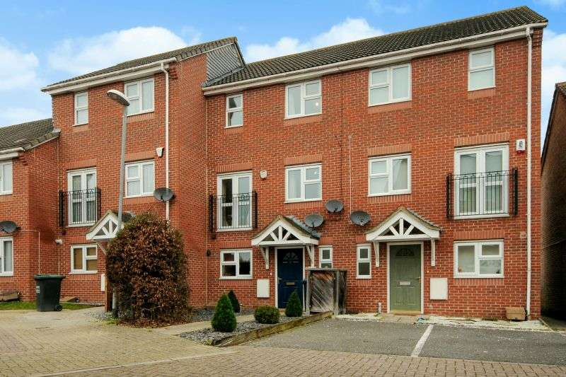 3 Bedrooms Town House for sale in James Way, South Oxhey, Watford, Hertfordshire