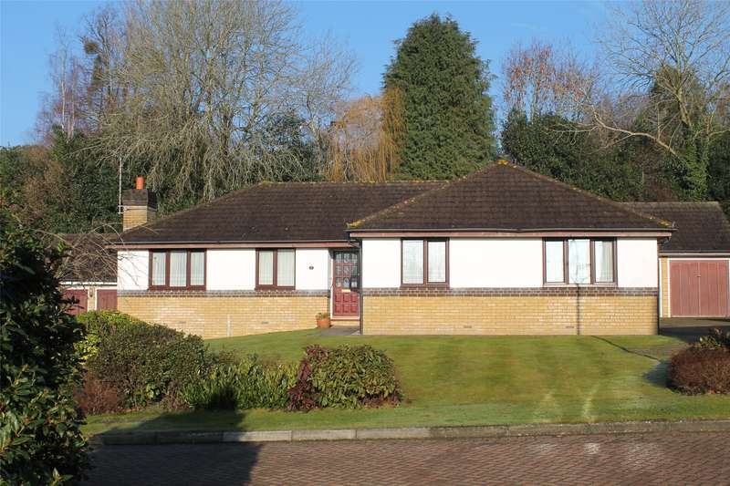 3 Bedrooms Detached Bungalow for sale in Hazelwood Heights, Oxted, Surrey, RH8