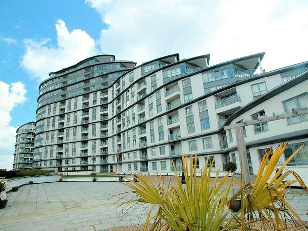 2 Bedrooms Flat for sale in Woking, Surrey