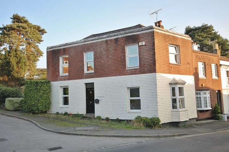 3 Bedrooms House for sale in 20 School Hill, Storrington