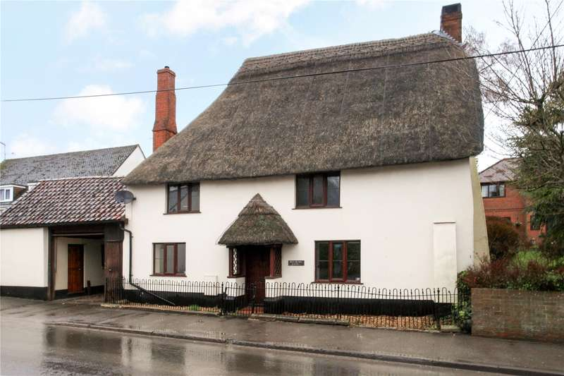 3 Bedrooms Detached House for sale in High Street, Tilshead, Salisbury, Wiltshire, SP3
