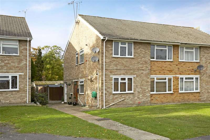 2 Bedrooms Flat for sale in Heron Close, Ascot, Berkshire, SL5