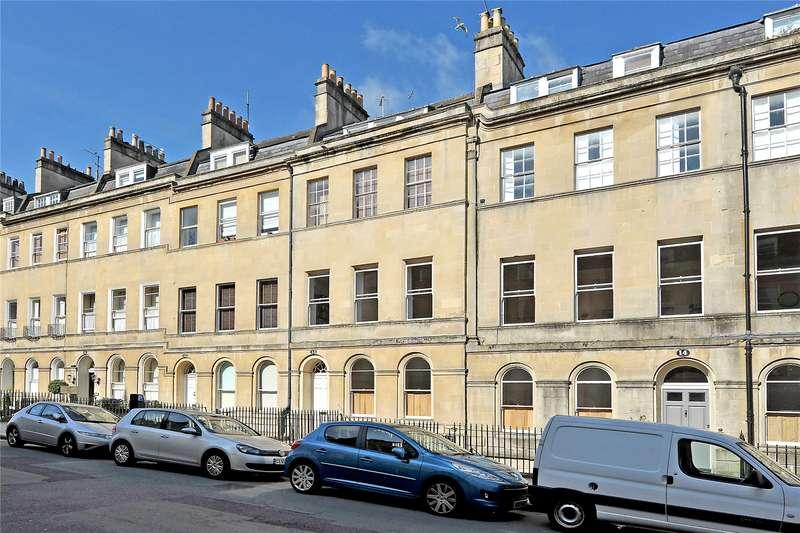 3 Bedrooms Flat for sale in Henrietta Street, Bath, BA2