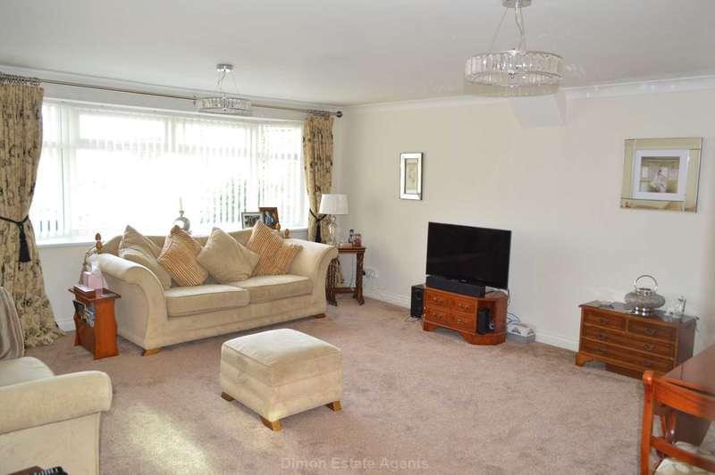 2 Bedrooms Bungalow for sale in Gale Moor Avenue, Gomer