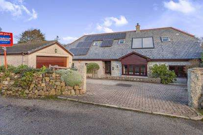 5 Bedrooms Detached House for sale in Canonstown, Hayle, Cornwall