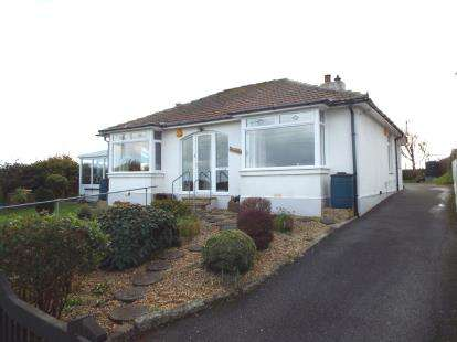 3 Bedrooms Bungalow for sale in Penryn