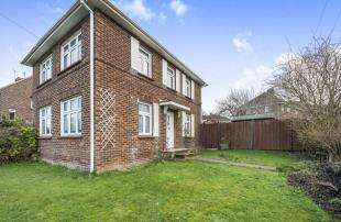 3 Bedrooms Semi Detached House for sale in St. Davids Crescent, Gravesend, Kent, Gravesend