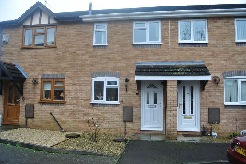2 Bedrooms Terraced House for sale in St. Philips Drive, Evesham