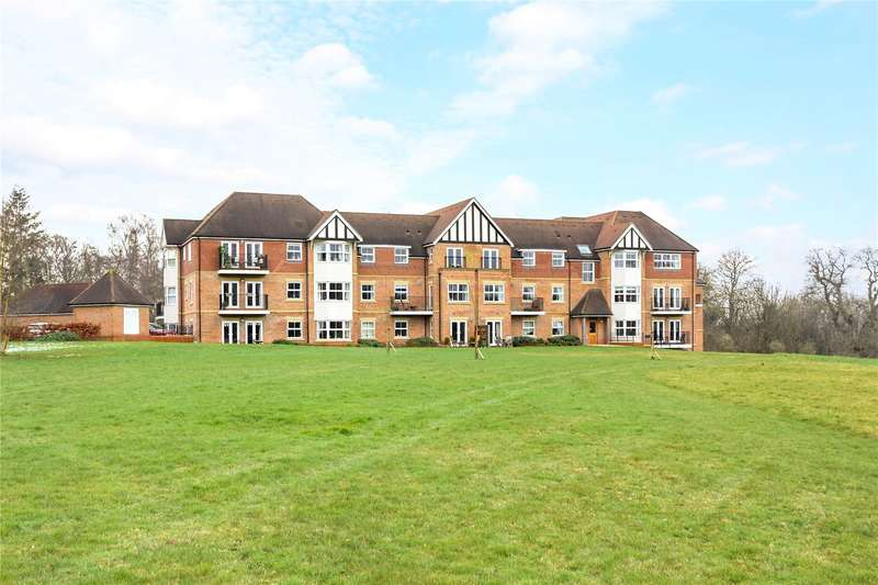 2 Bedrooms Flat for sale in Cavendish House, 3-4 Tudor Court, Liphook, Hampshire, GU30