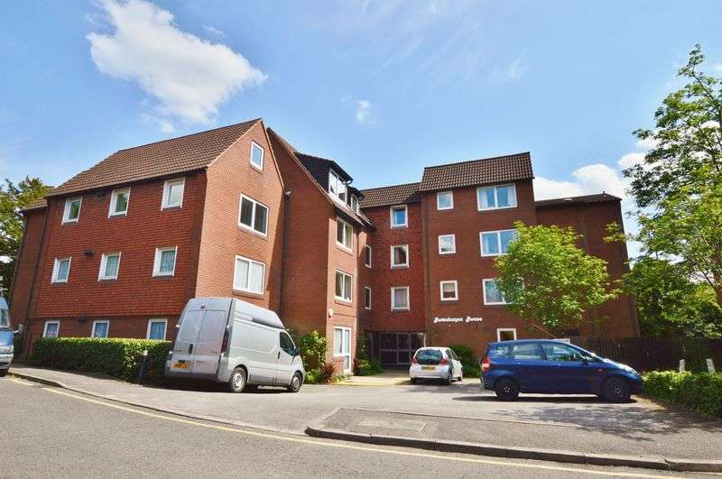 1 Bedroom Flat for sale in Homehayes House, Hatch End