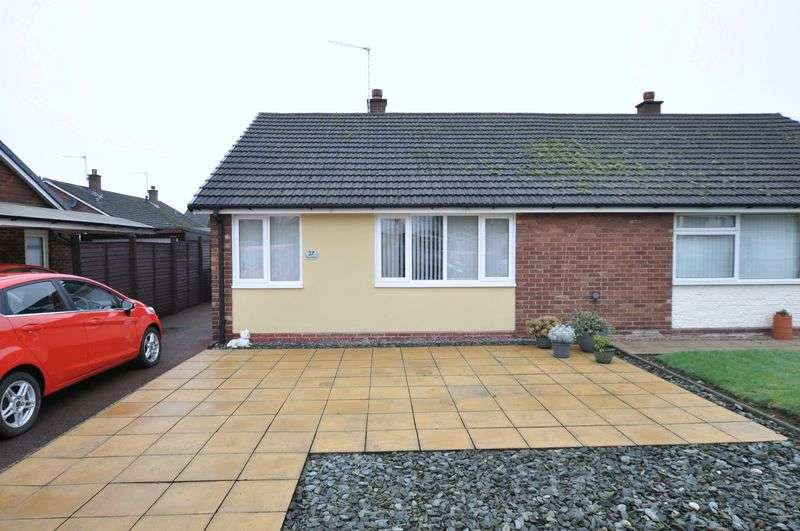 2 Bedrooms Semi Detached Bungalow for sale in Hurst Drive, Stretton