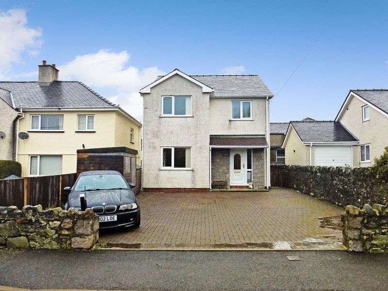 3 Bedrooms Detached House for sale in Tregarth