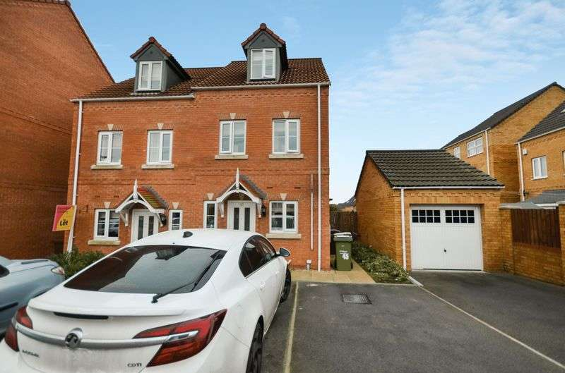 3 Bedrooms Semi Detached House for sale in 45 Springfield Road, Lofthouse, Wakefield, WF3 3FN
