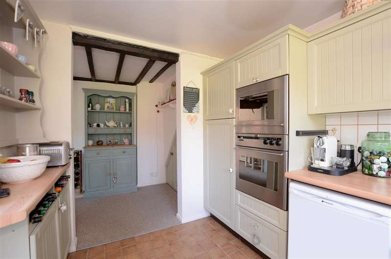 2 Bedrooms Terraced House for sale in South Street, East Hoathly, Lewes, East Sussex