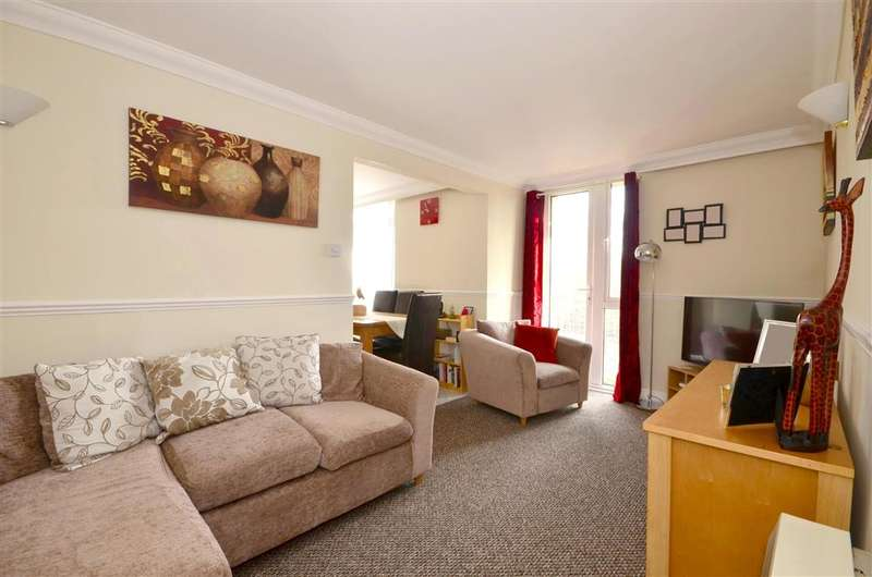 2 Bedrooms Apartment Flat for sale in Sandwich Road, Dover, Kent