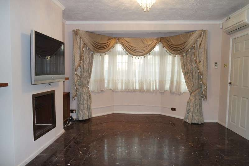 4 Bedrooms Semi Detached House for sale in Mount Pleasant, Barnet