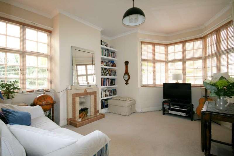 1 Bedroom Flat for sale in Holyoake Walk, Ealing W5