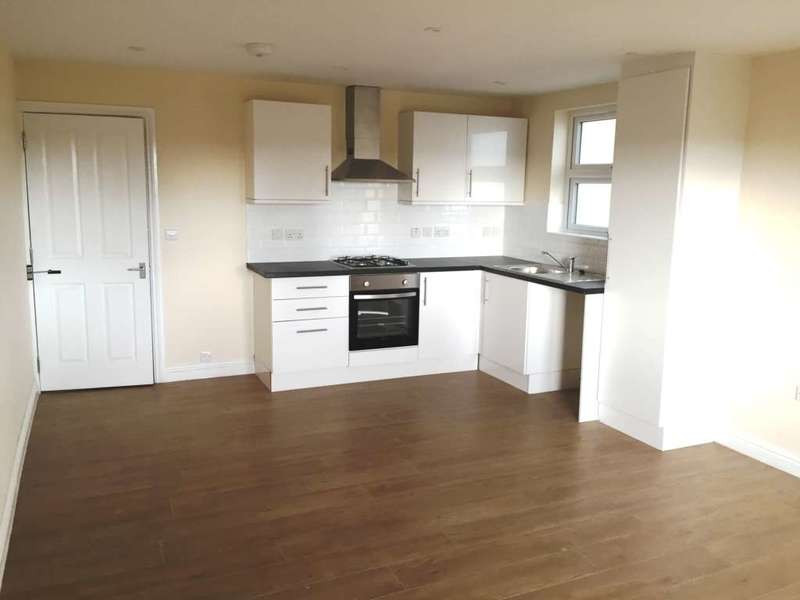 3 Bedrooms Flat for sale in High Street, Slough