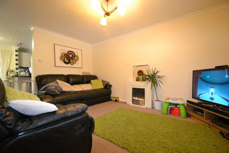 3 Bedrooms Property for sale in Tanyard Way, Horley