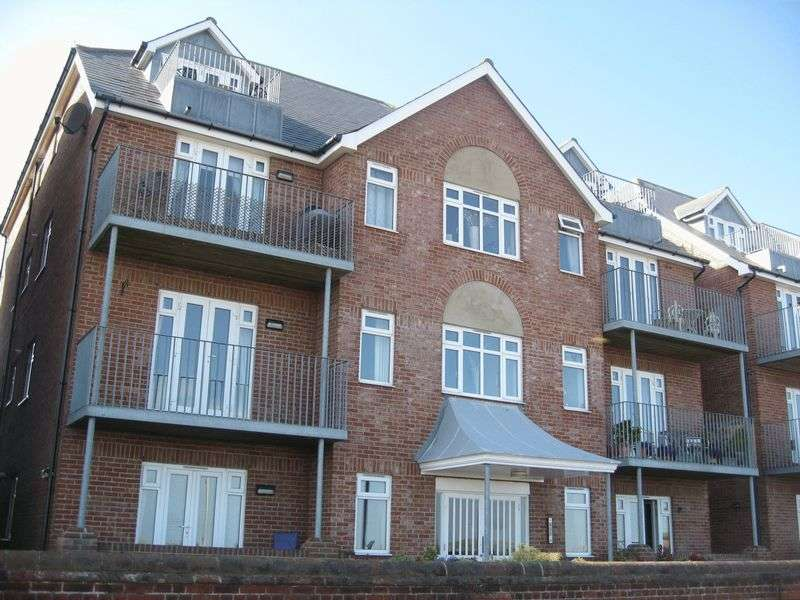2 Bedrooms Flat for sale in North Drive, Great Yarmouth