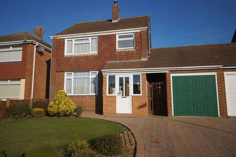 3 Bedrooms Detached House for sale in The Spinney, Down End, Fareham, PO16