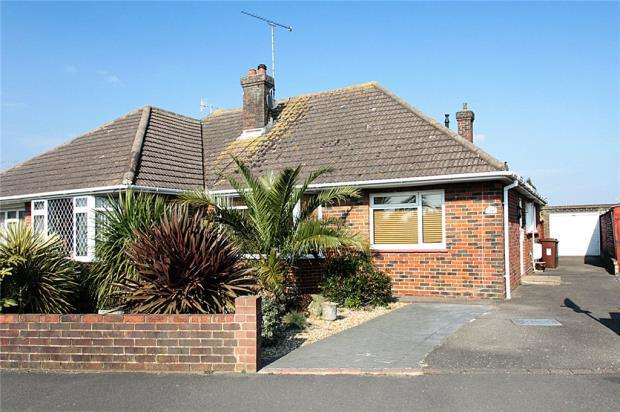2 Bedrooms Semi Detached Bungalow for sale in North Lane, East Preston, West Sussex, BN16