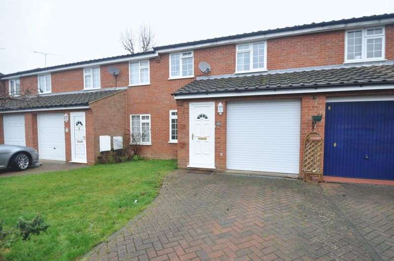 3 Bedrooms Terraced House for sale in Penfold Croft, Farnham