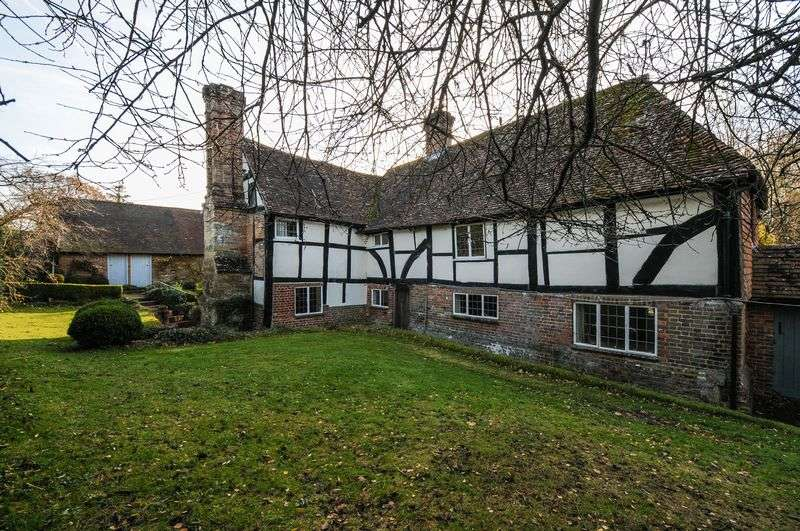 3 Bedrooms Property for sale in Off Sandy Lane, Henfield