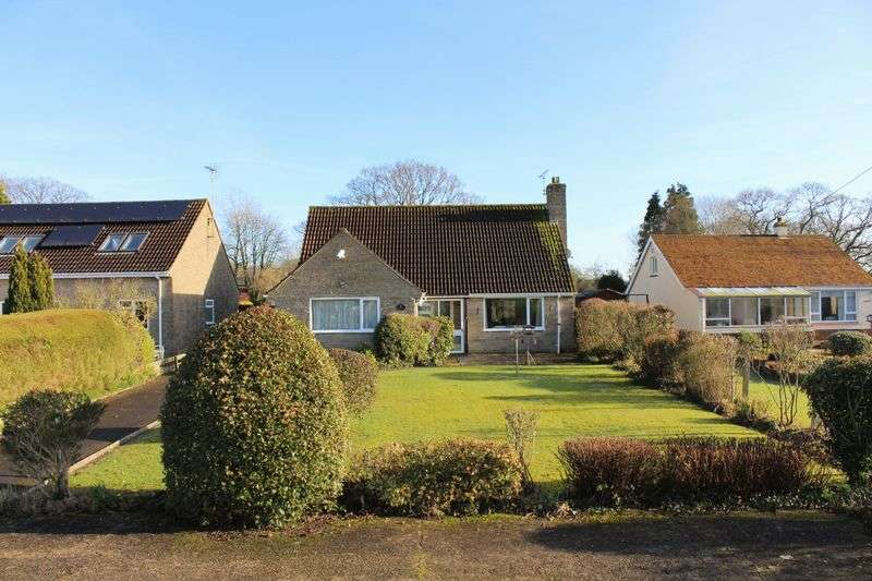 4 Bedrooms Detached Bungalow for sale in Station Road, Chard Junction