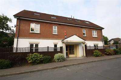 1 Bedroom Flat for rent in Road, Chigwell