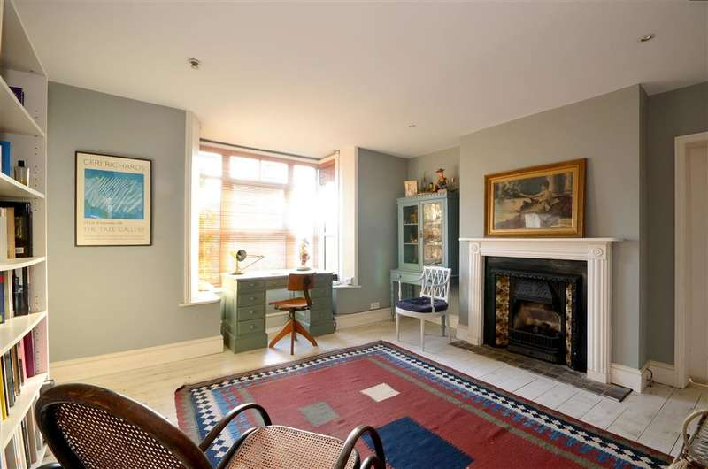 5 Bedrooms Detached House for sale in Church Road, New Romney, Kent