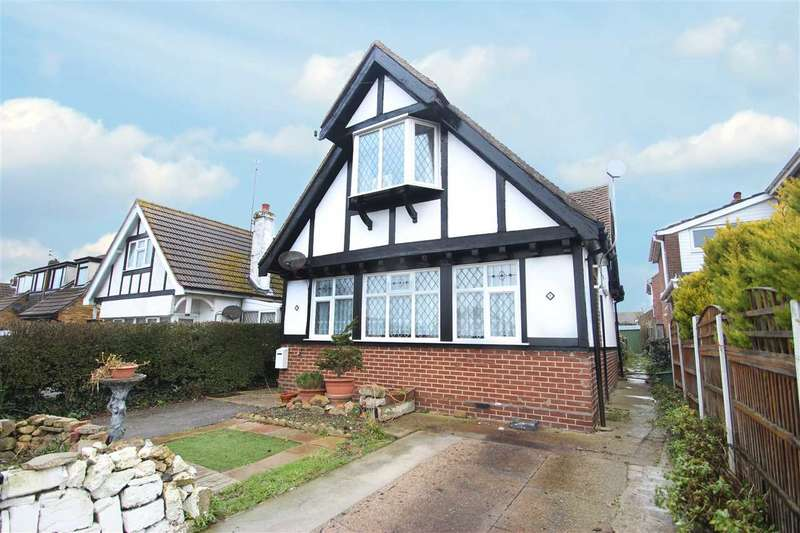 4 Bedrooms Detached House for sale in Park Square West, Clacton-On-Sea