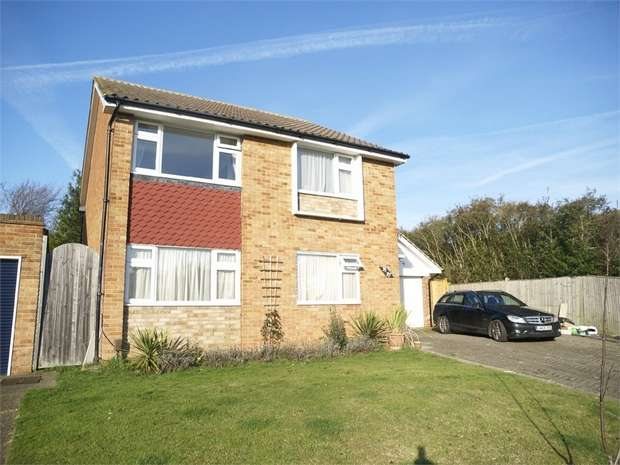 2 Bedrooms Maisonette Flat for sale in Nightingale Drive, West Ewell