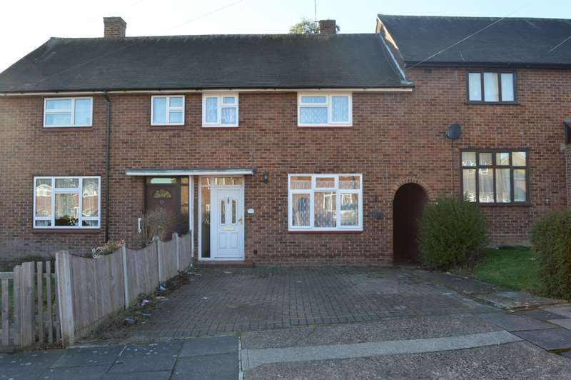 3 Bedrooms Terraced House for sale in Dorking Road, Romford