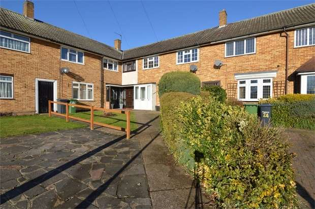 3 Bedrooms Terraced House for sale in Montgomery Drive, Cheshunt, Hertfordshire